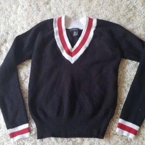 Forever 21 black sweater size small